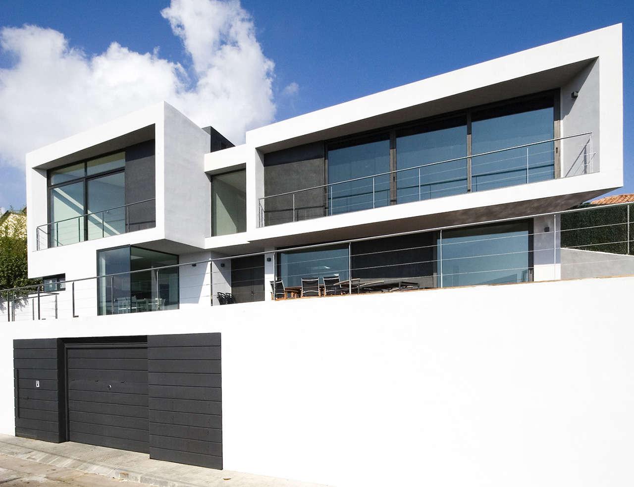 Vivienda Unifamiliar Pineda de Mar obra nueva fachada