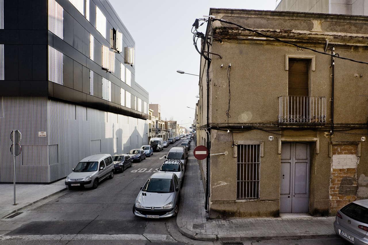 Edificio de viviendas en Sabadell obra nueva fachadas 3