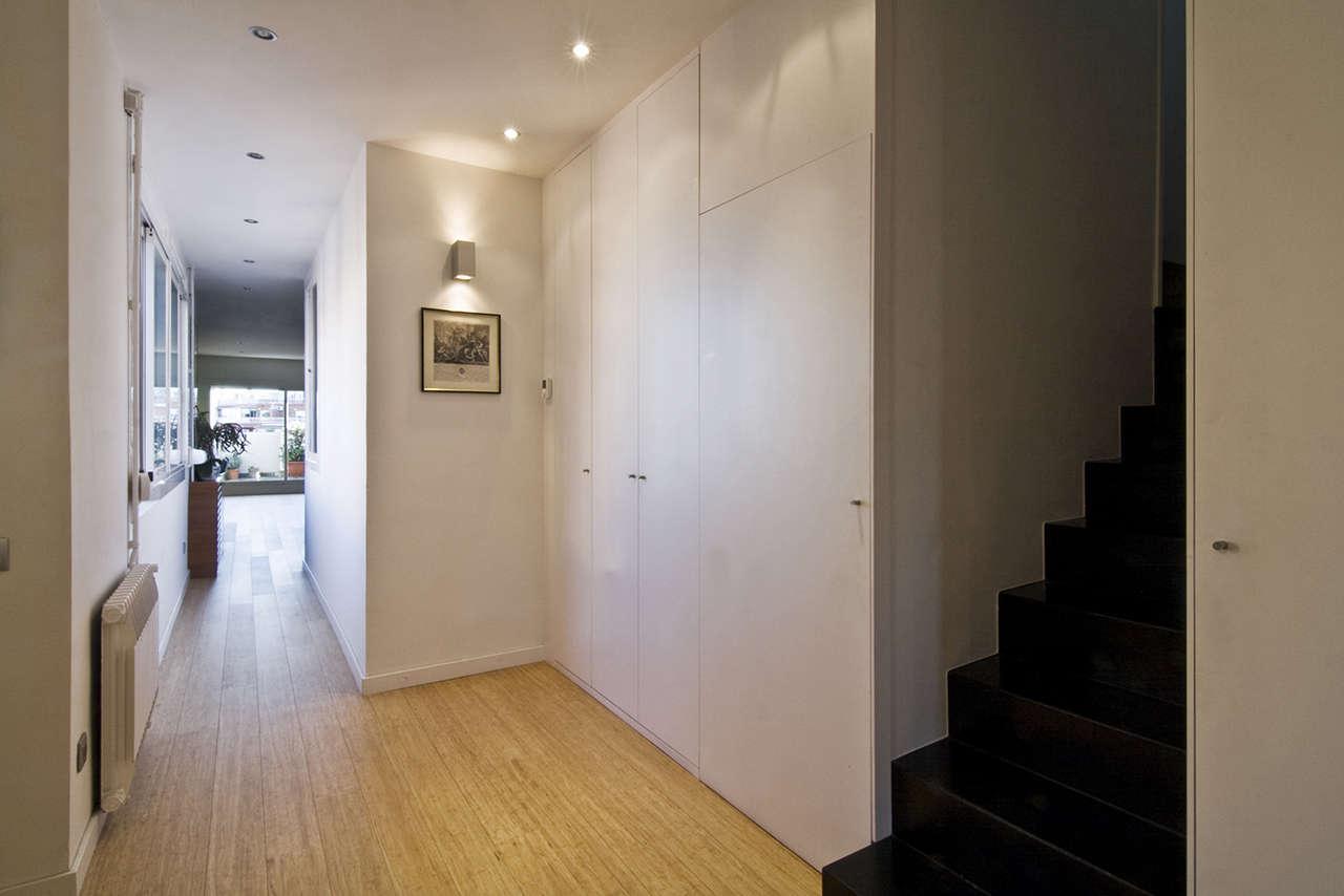 Reforma vivienda en Sagrada Familia Barcelona pasillo