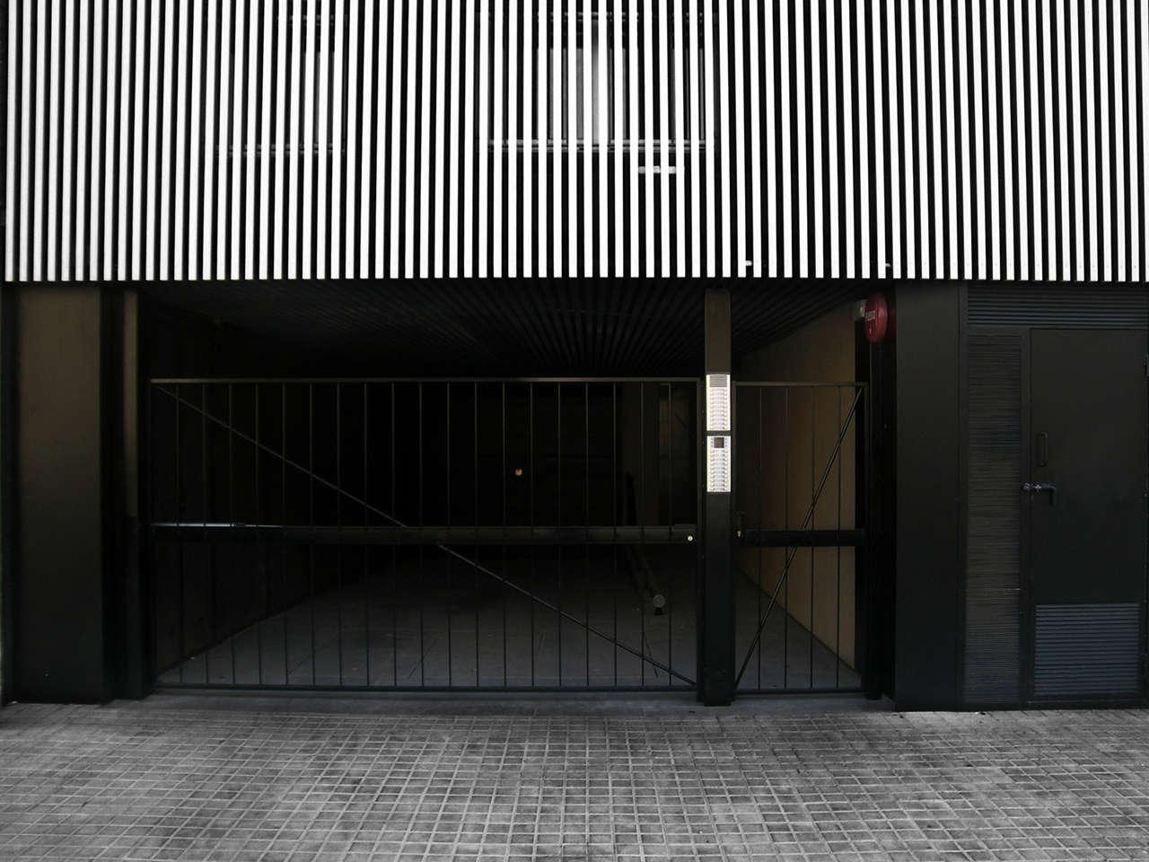 Edificio de viviendas en Sabadell obra nueva accesso