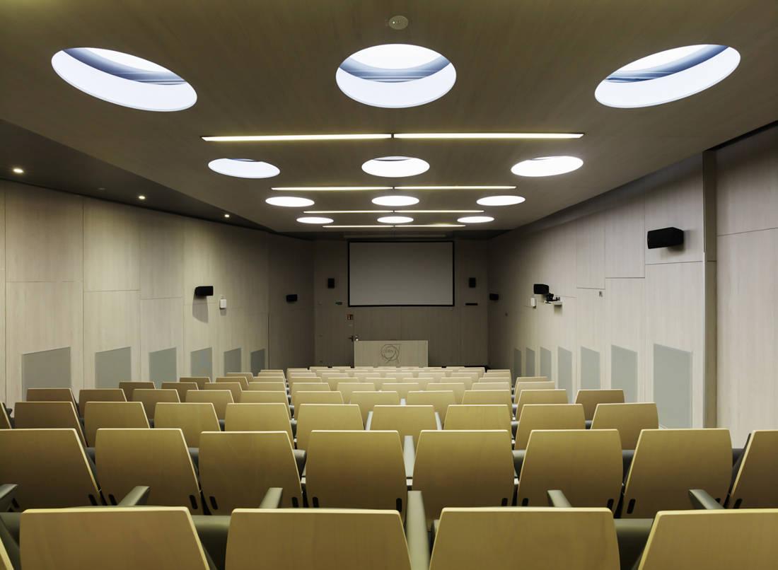 CERN Ginebra Oficinas obra nueva edificio 774 sala conferencias